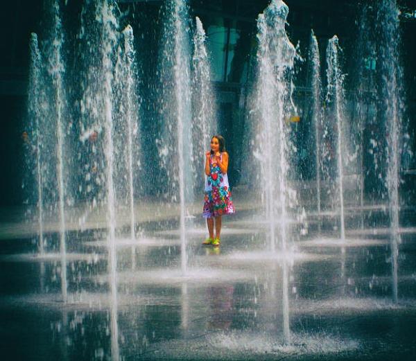 Fountain fun by KrazyKA