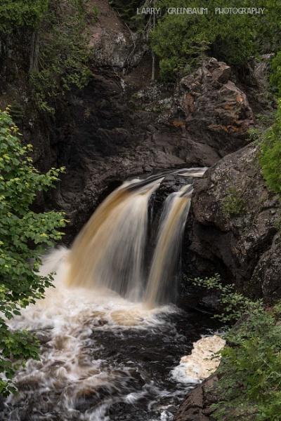 Cascade River by LarryG