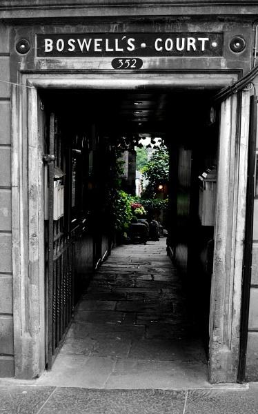 Edinburgh Alleyway by AngieJS