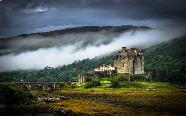 Eilean Donan Morning Light by bill33