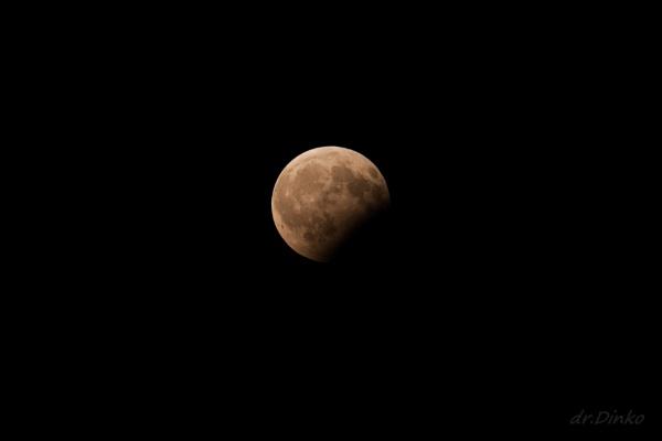 07.08.2017. moon eclipse by drDinko