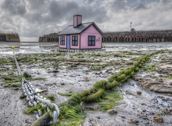 Floating House, Folkestone Harbour by carper123