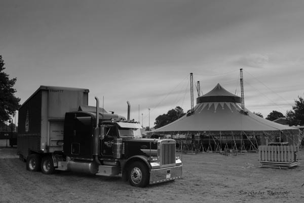 Kenworth At The Circus by Lord_Raglan