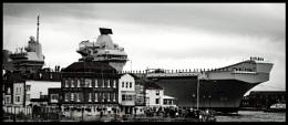 HMS Queen Elizabeth approaches