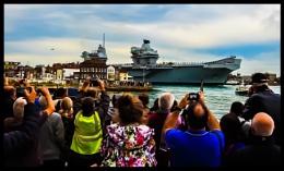 HMS queen Elizabeth wellwishers