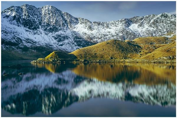 Snowdonia Reflections. by Satlight