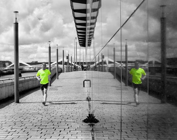 Yellow Runner by Vambomarbleye