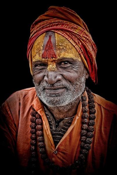 Smiling sadhu by sawsengee