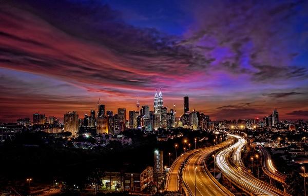 Kuala Lumpur at sunset by sawsengee