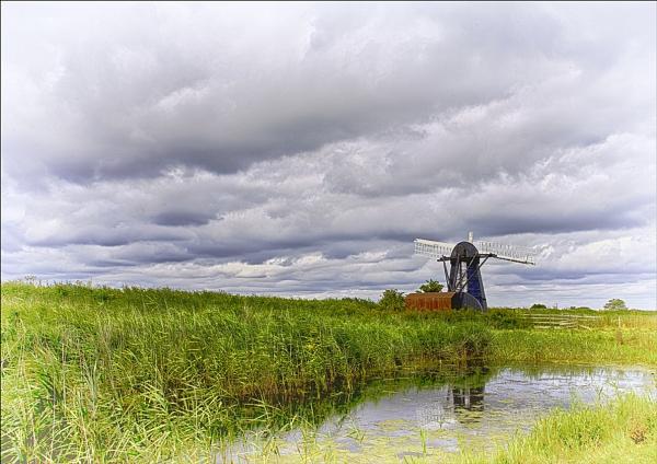 Herringfleet Windmill by koiboy