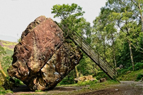 Bouder Stone by ANNDORASBOX