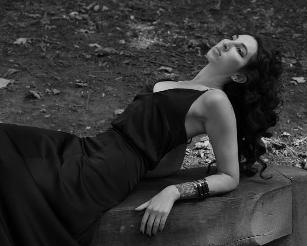 Model reclining by michabbo