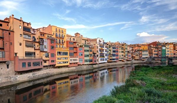 Girona by Sandgrouse