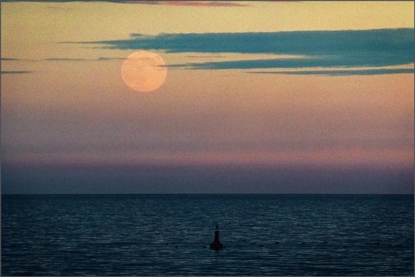Devon moon by rambler