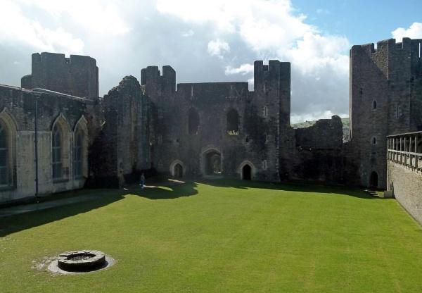 Inner West Gatehouse by Hurstbourne