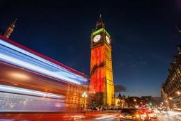 Big Ben poppy light show
