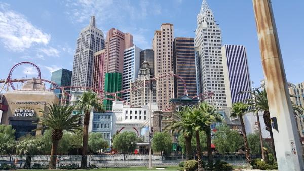 Las Vegas by littleflea