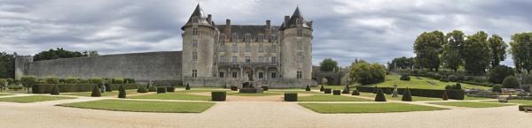 Chateau dela Roche Courbon by Steven_Tyrer