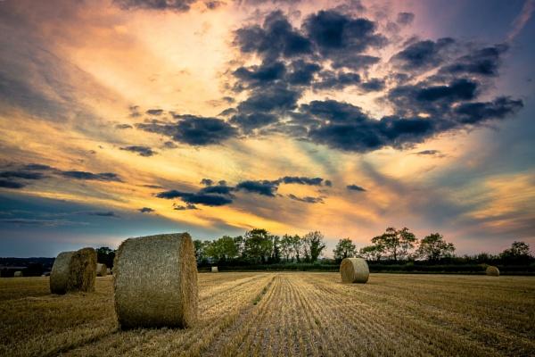 Hay bales by MonochromeTear