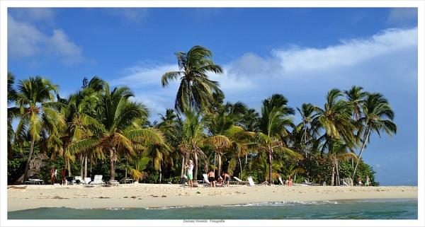 Cayo Levantado (Bacardi Island ) by papajedi