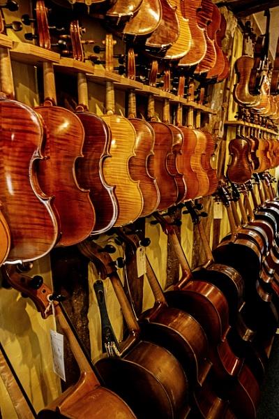 Violin Makers by vivdy