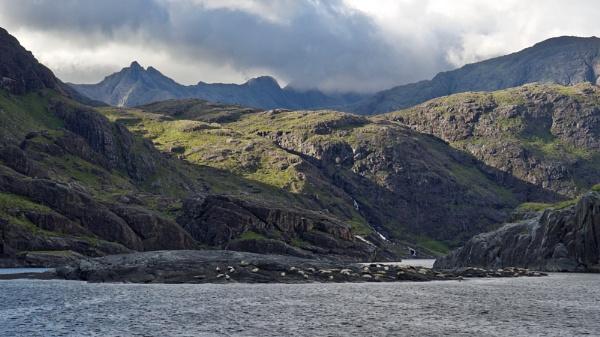 Cuillin Ridge from Loch Scavaig by prtd
