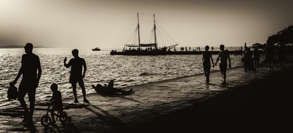 by the seaside by mogobiker