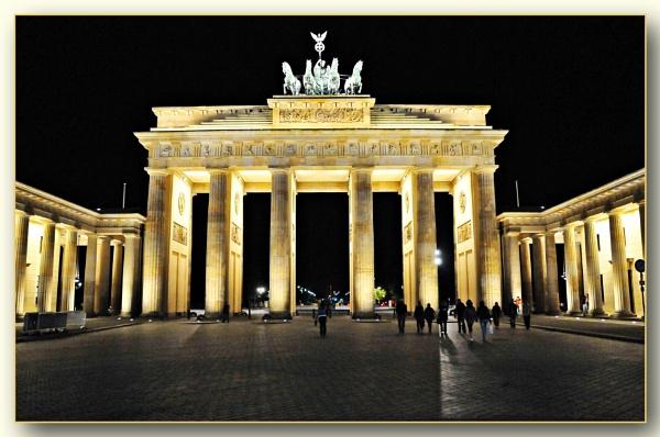 *** Brandenburg Gate  *** by Spkr51