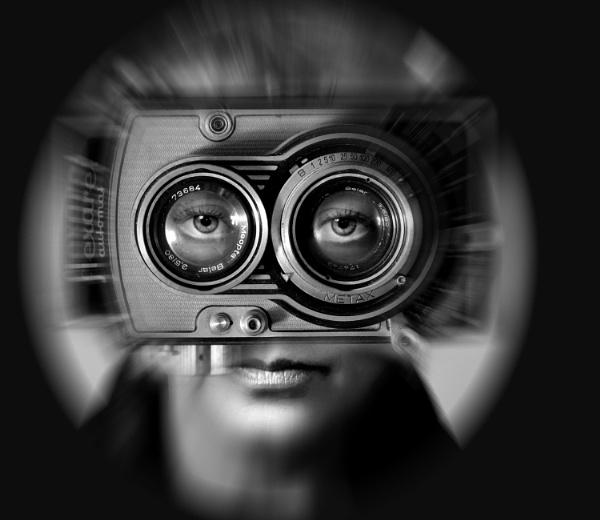 Eyes... by Zenonas