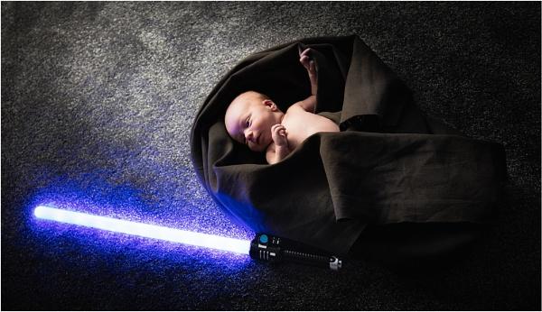 The newborn Jedi by sherlob