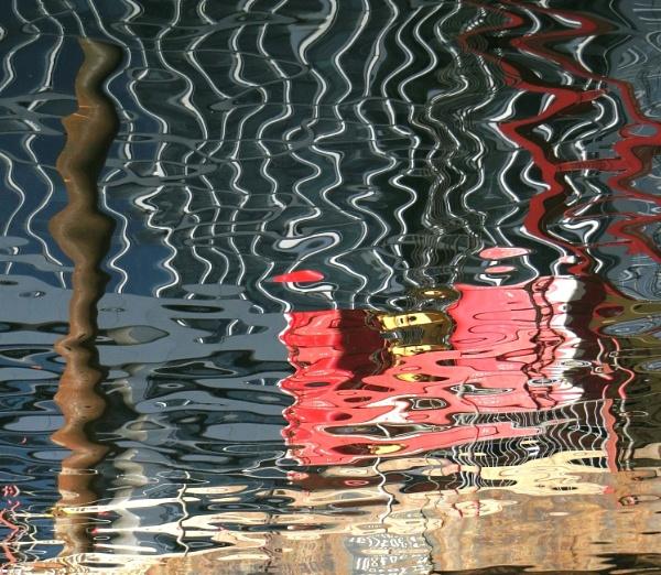 Ripple Abstract by RysiekJan