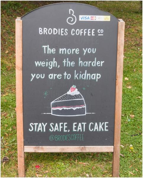 Eat cake & empty signposts by franken