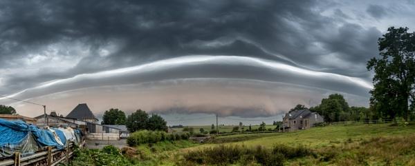 Thunderstorm in Tillet (near Bastogne-Belgium) by Johan Vandenberghe