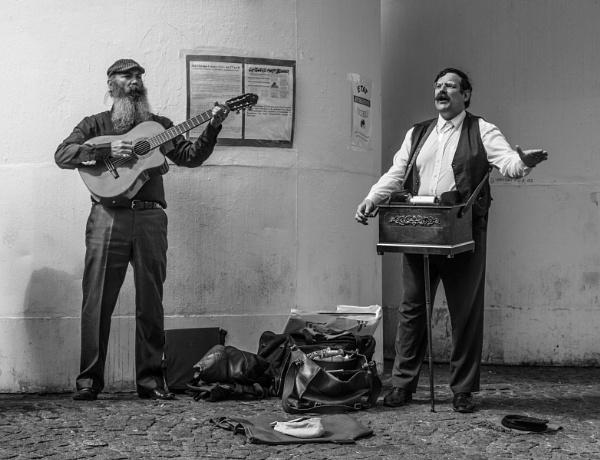 Paris street musicians by karen1961