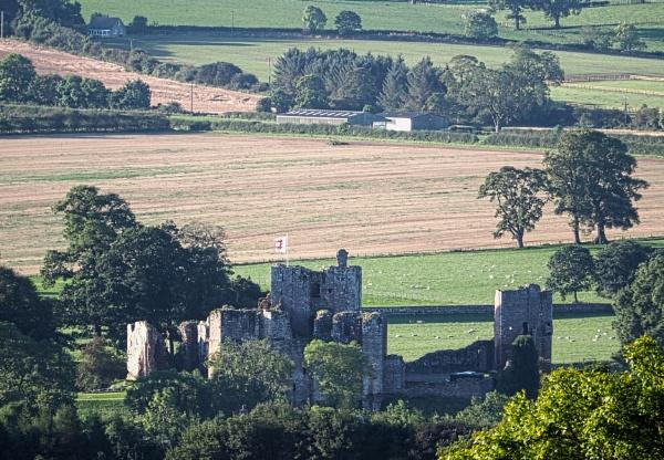 Brougham Castle by DaveRyder