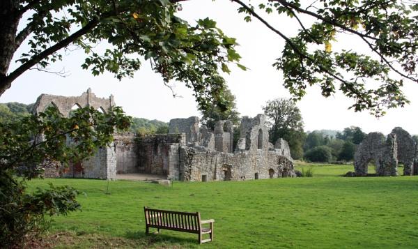 Bayham Abbey by RobMacormac