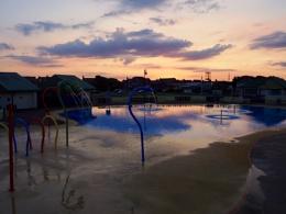 Paddling pool at dusk