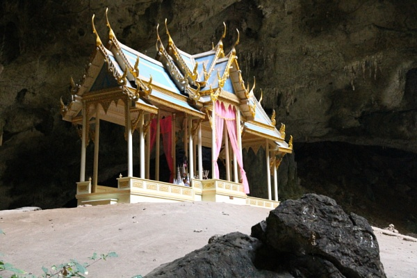 Temple in a cave by mikekay