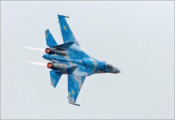 Sukhoi Su-27 \'Flanker\' (Ukrainian Air Force) by geoffrey baker