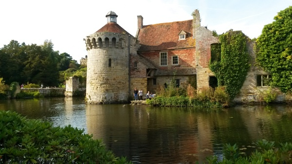 Scotney Castle by pamzan