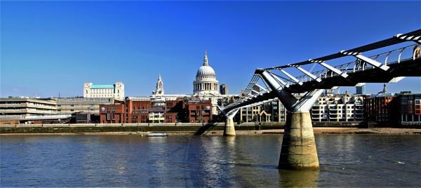 Millennium Bridge by mike9005