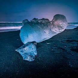 Iceberg on Jokulsarlon Beach