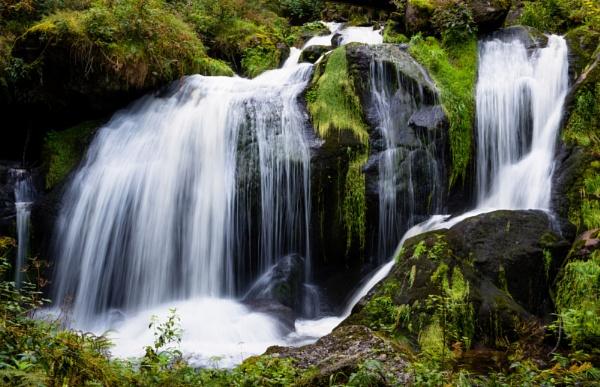 Triberg Falls by jasonrwl