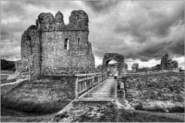 Ogmore Castle in Mono