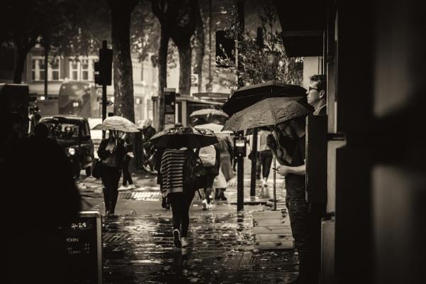 AUTUMN IN LONDON by mogobiker