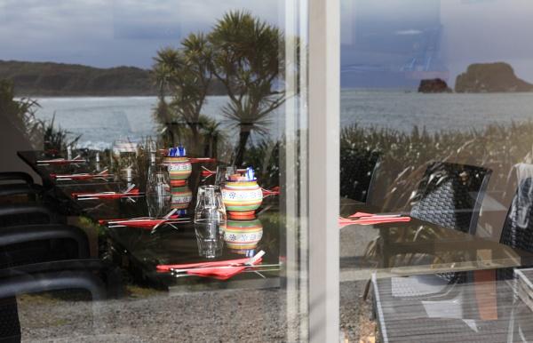 The Bay House Cafe, Tauranga bay, Cape Foulwind. by Nigel_NZ