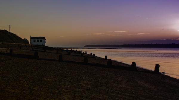 Lepe beach at dawn by Ian01