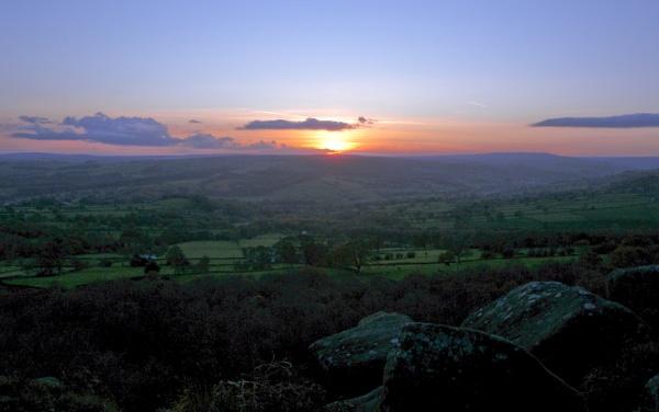 Nidderdale sunset. by Drighlynne