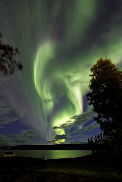 Aurora in Iceland by pdunstan_Greymoon