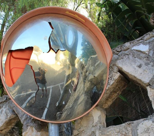 Broken Mirror by SHR